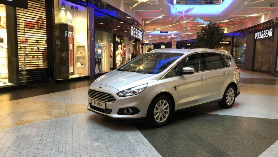 Nowy Ford S-Max w Millenium Hall